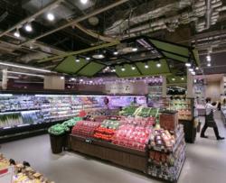 サミットストアコレットマーレ店が「三角形の売場」で成立させる業務効率