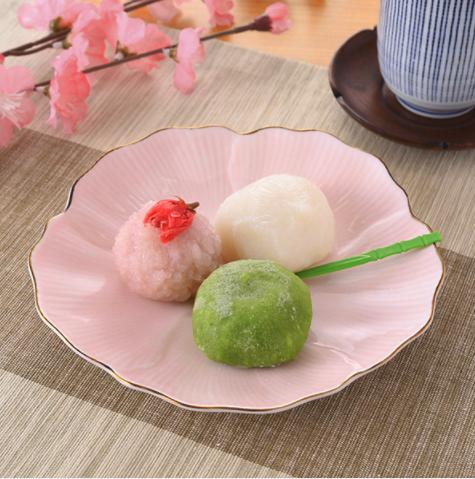 ファミマの桜スイーツ「春の三色和菓子」