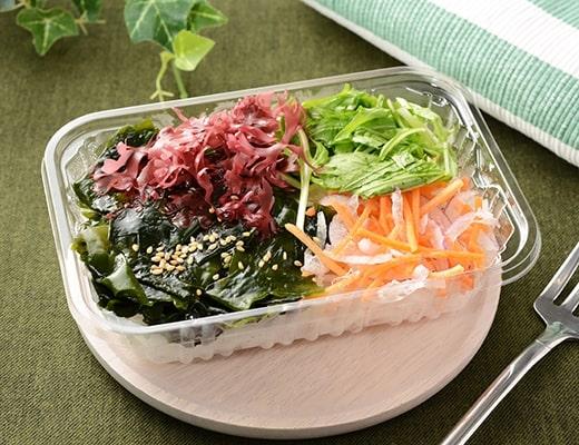 海藻と大根のサラダ